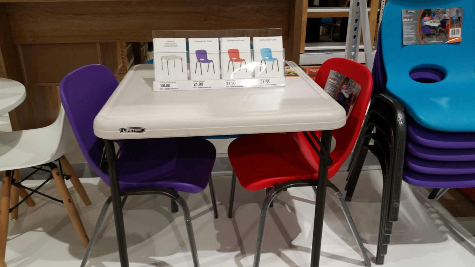 Miniature Homeschool Table and Chairs - a great option in a homeschool.